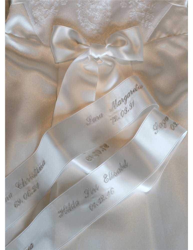 Dopklänning med sidenväst och dophätta för pojke