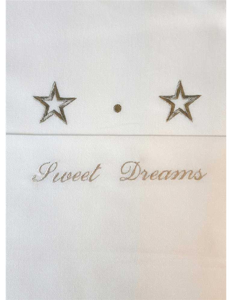 Dopklänning i off white med ljuva spetsar
