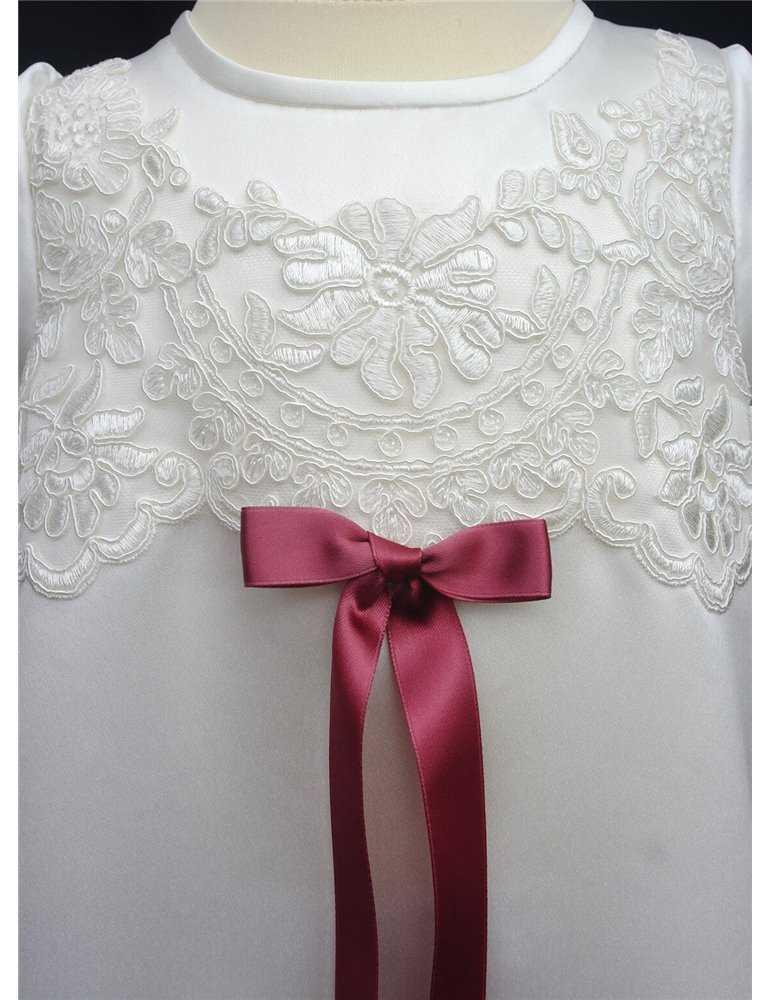 Dopklänning med chiffong kjol och rosa rosett