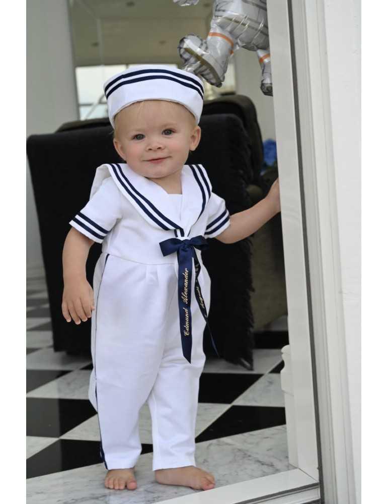 gladaste tjejen i Dopklänning