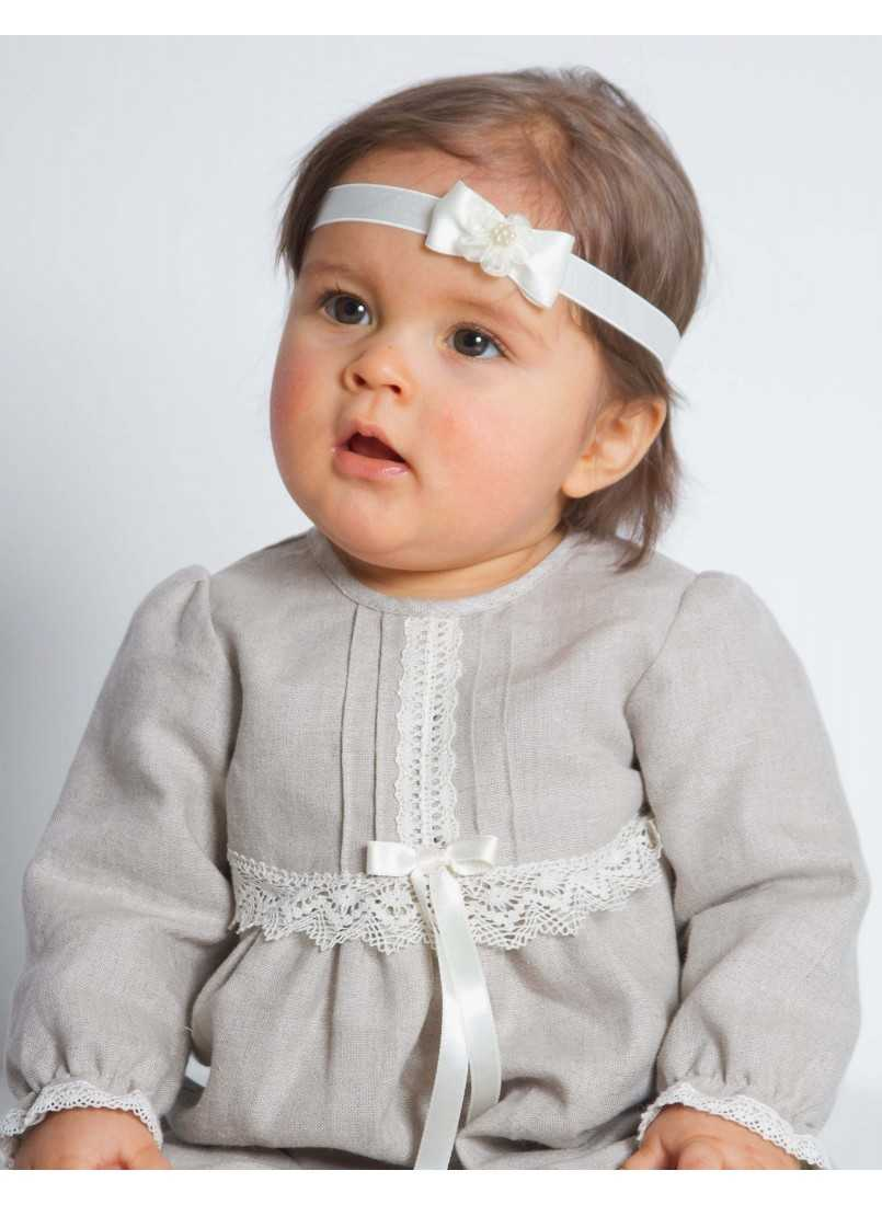 Special occasions in natural linen for baby